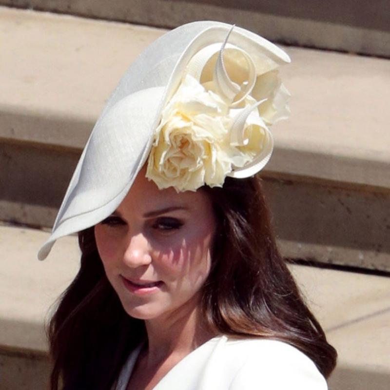 """""""Все дело в шляпках!"""": Кейт Миддлтон пришла на королевскую свадьбу в прежнем наряде - «Красота»"""
