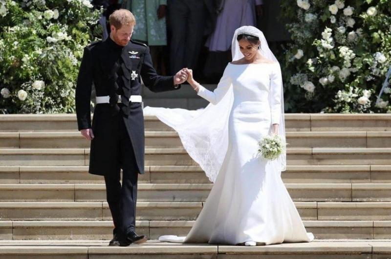 «До Кейт ей далеко»: свадебный наряд Меган Маркл за $135 тысяч назвали скучным - «Красота»