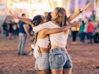 В чем пойти на ночную пробежку, музыкальный фестиваль и индийский праздник - «Я и Мода»