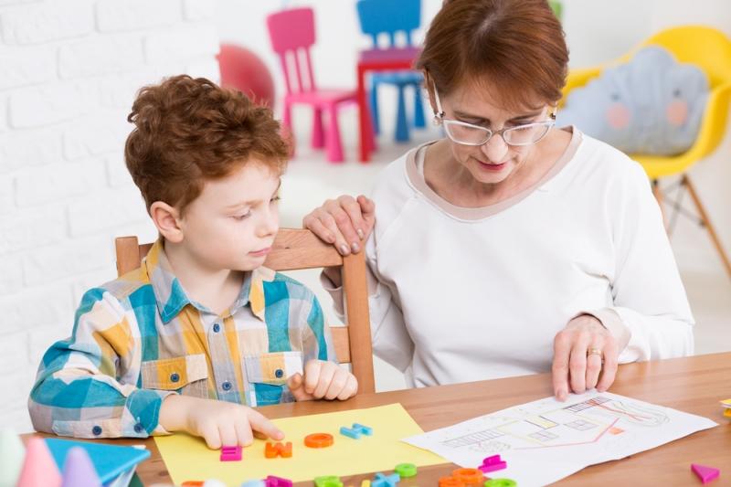 Идти в первый класс в 6,5 или 7,5 лет? Мнение психолога - «Образование»