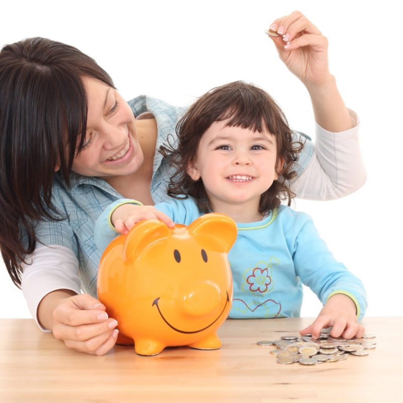 А если ребенок потратит все карманные деньги на ерунду? - «Семья»