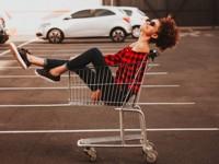 6 способов, как магазины заставляют тебя покупать больше - «Я и Мода»