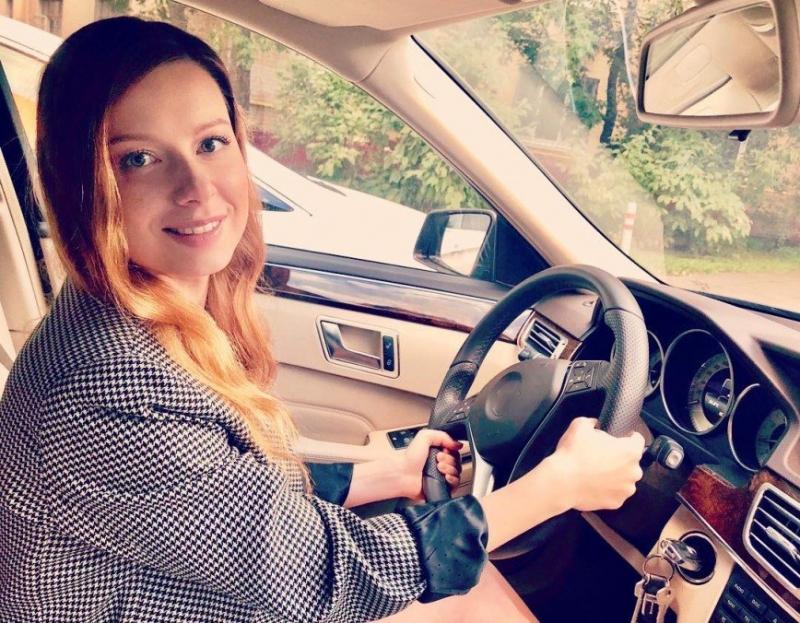 Юлия Савичева обратилась к девушкам: дорога и скорость – это не игрушки! - «Я и Отдых»