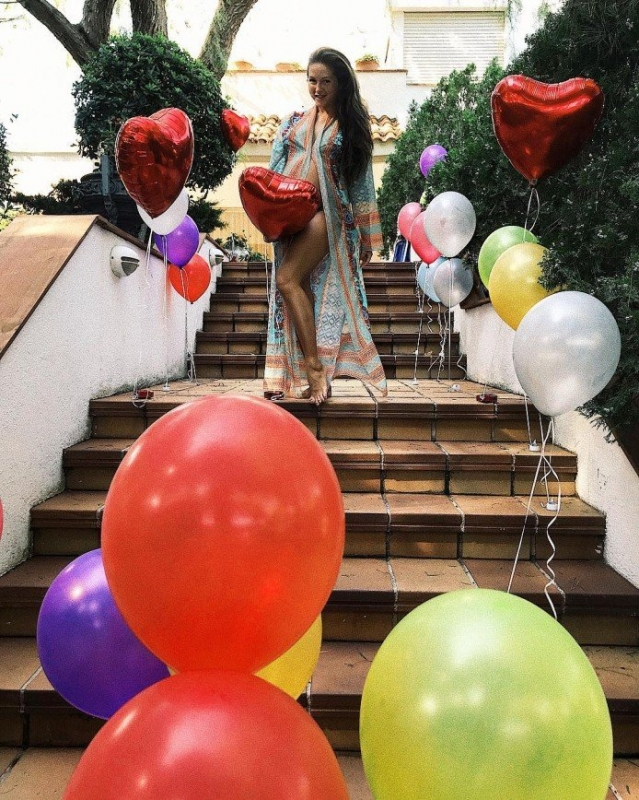 Нюша накануне родов показала фото и видео с празднования дня рождения - «Я и Дети»