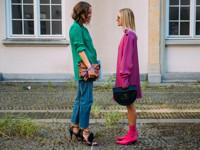 Маленькие сумочки снова в моде: как носить багет, конверт и минодьер - «Я и Мода»