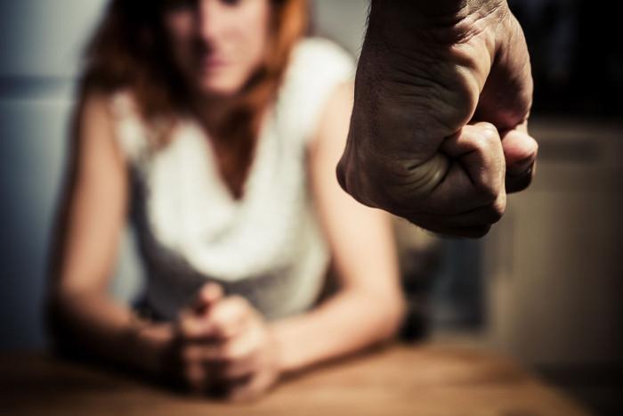 Как предотвратить насилие в семье: реальные шаги - «Семейные отношения»