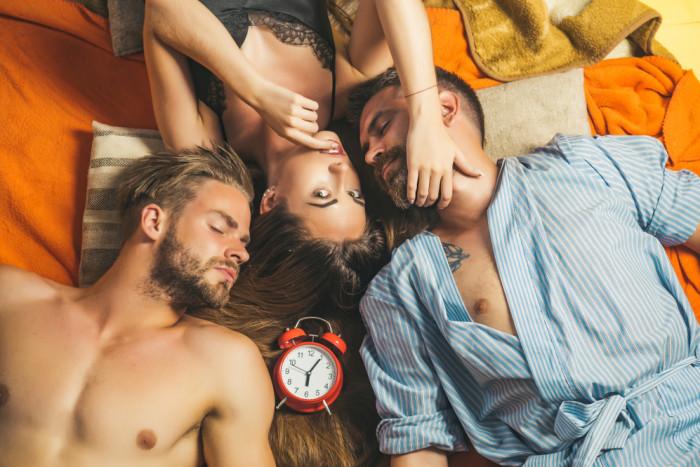 Я завела любовника: 4 откровенные истории об отношениях на стороне - «Семейные отношения»