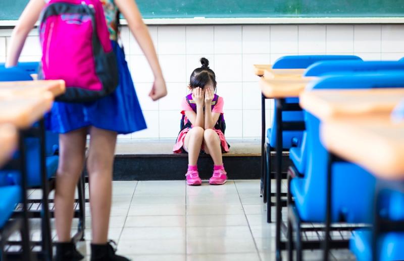 Ребенка обижают в школе. Как разговаривать с учителем - «Образование»