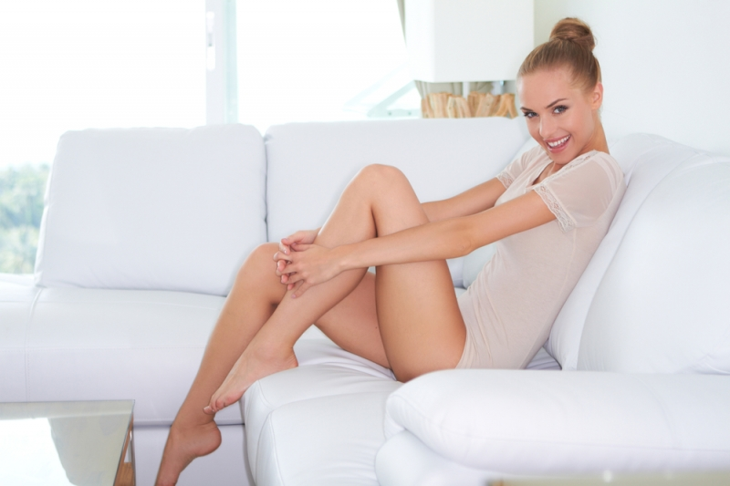 Почему растет косточка на ноге? Какие туфли носить не стоит - «Красота и здоровье»