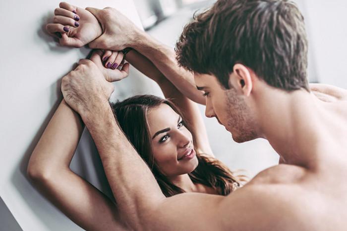 Секс у малому місті: що таке петтинг?